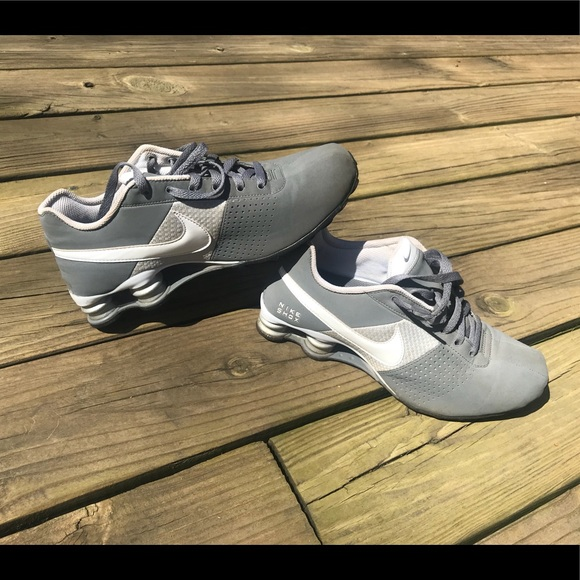 wholesale dealer 4c3eb feca5 ... official store nike shox deliver men running gray white comfort 8 60a9c  8a964